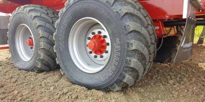 de nouvelles r f rences dans la gamme de pneus porteurs 389 vf farm connexion. Black Bedroom Furniture Sets. Home Design Ideas